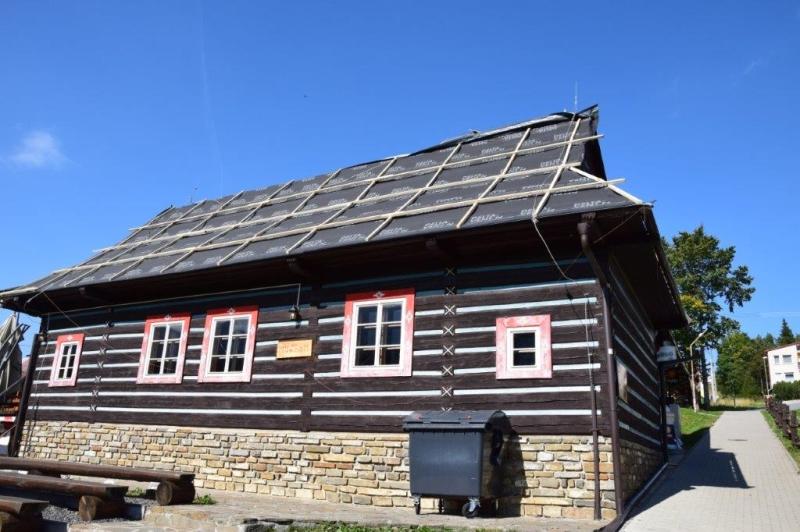 Rekonštrukcia strechy – Ždiarsky dom